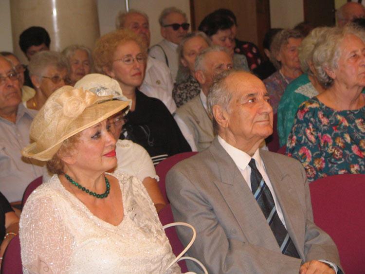 На переднем плане Татьяна и Анатолий Алексины.