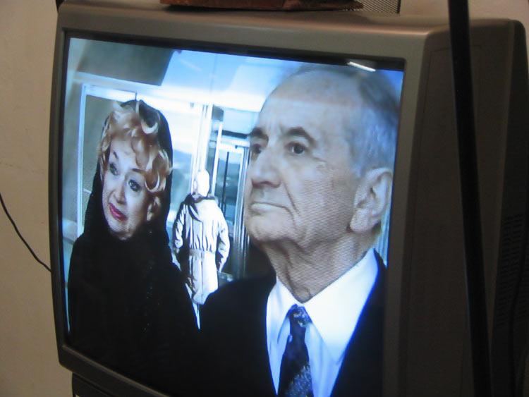 Кадр из фильма о Яд-вашем с участием Татьяны и Анатолия Алексиных.