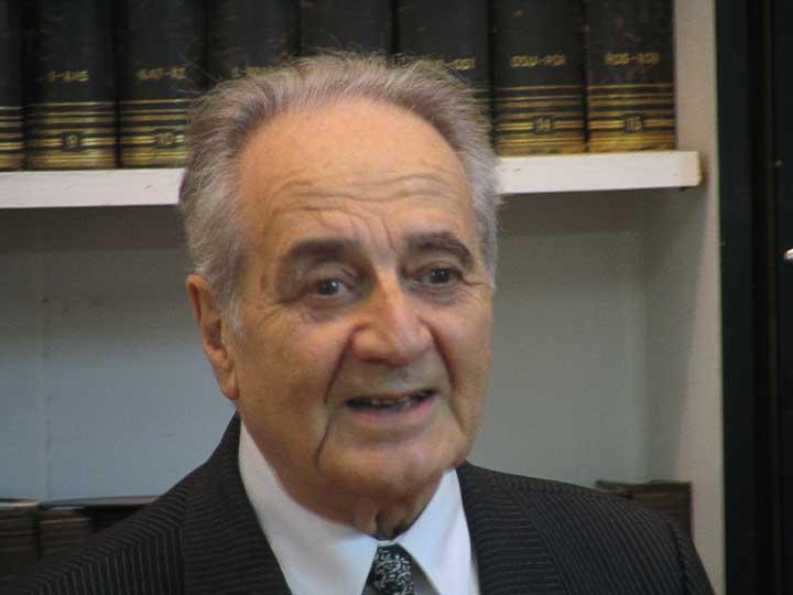 Писатель Анатолий Алексин