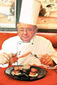 Роман Гершзон на кухне